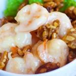 Креветки с мёдом и орехами — рецепт с фото