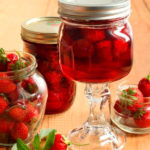 Варенье из клубники с целыми ягодками