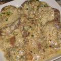Печень в сметанном соусе по-строгановски