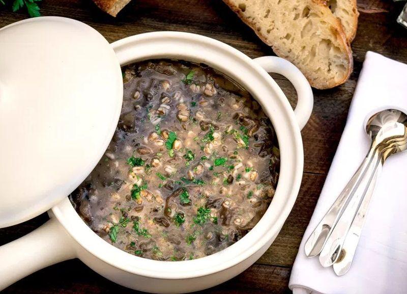 Итальянский суп с фарро и грибами
