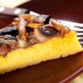Гуцульский Банош с грибным соусом