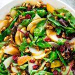 Осенний грушевый салат с грецким орехом