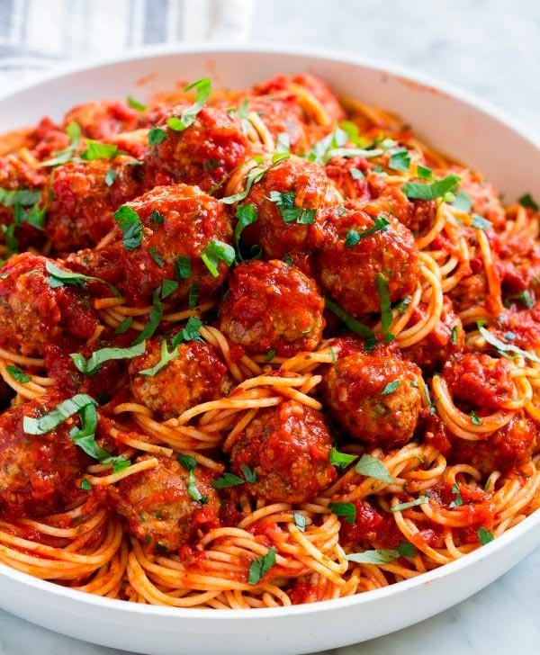 Самый вкусный домашний рецепт фрикаделек с соусом маринара.jpg со спагетти